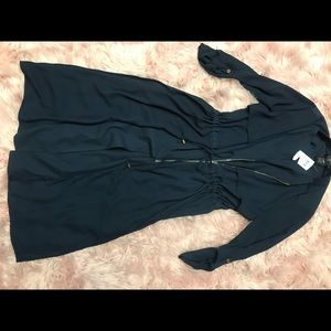 Beautiful trench duster navy gold detail NWT med